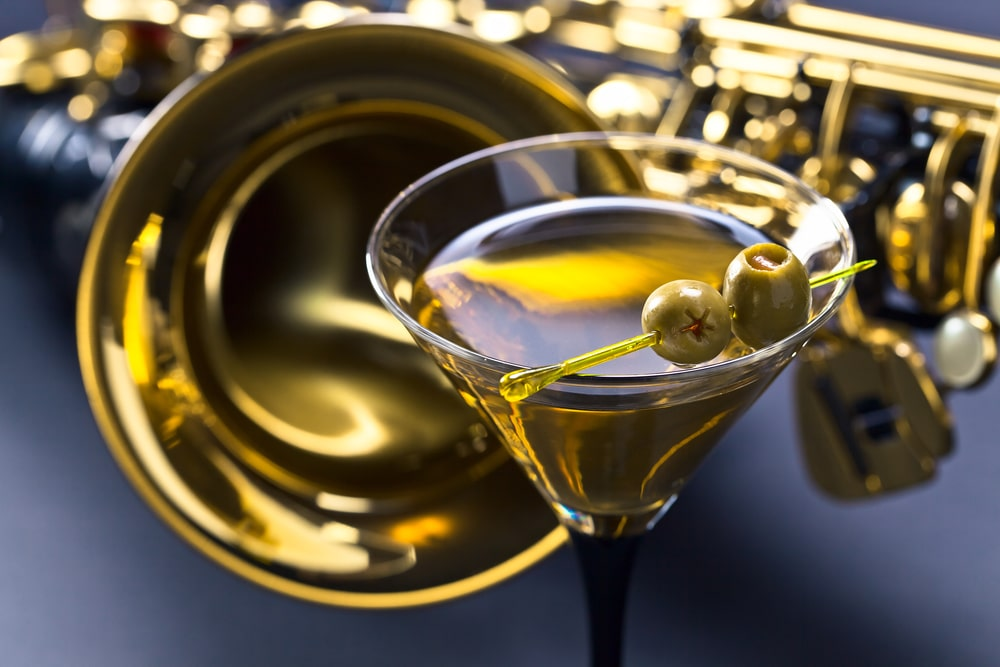 Martini und ein Saxophon